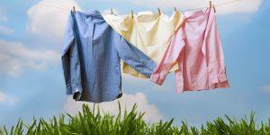 huong dan cach phoi quan ao 300x150 - Bí quyết sử dụng máy giặt công nghiệp mà tránh được phai màu vải