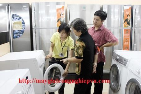 may giat 1 - Tìm mua máy giặt công nghiệp 30kg hãng nào tốt và mua ở đâu thì bảo đảm ?