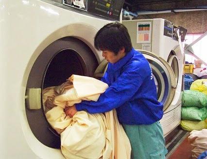 may giat cong nghiep b - Có nên mua máy giặt công nghiệp cũ hay không ?