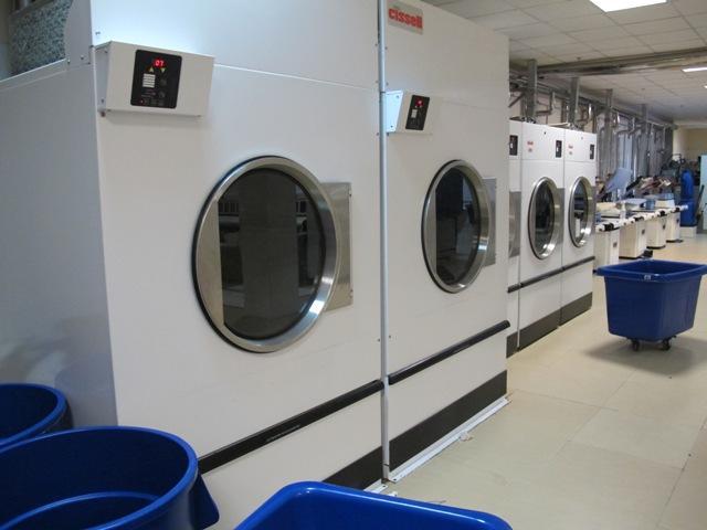 he thong may giat cong nghiep - Một số mô hình lắp đặt chuẩn cho mô hình giặt là công nghiệp