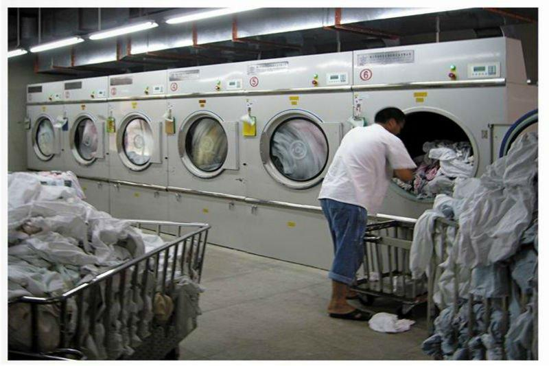 máy sấy quần áo công nghiệp