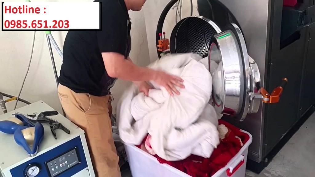 may giat chan cong nghiep 1 1024x576 - Mua máy giặt chăn công nghiệp loại nào tốt ?