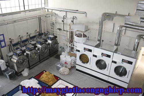 mo hinh xuong giat cong nghiep - Tư vấn mua máy giặt công nghiệp 15kg cho xưởng giặt là