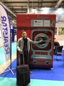 1dd9b27d30cfdf9186de 225x300 - Báo giá máy giặt khô công nghiệp 10kg , 20kg , 30kg , 40kg 1 mẻ giá rẻ
