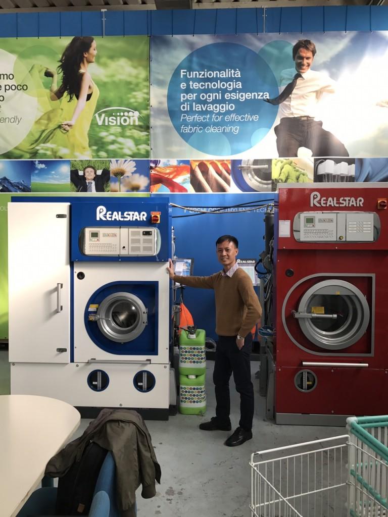989e643ee68c09d2509d 768x1024 - Hướng dẫn sử dụng máy giặt khô công nghiệp cho ai chưa biết